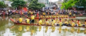 Đăm Boat Sailing Festival in Hanoi