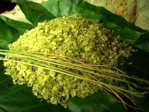 Kết quả hình ảnh cho Green Sticky Rice (Cốm Vòng) in Hanoi