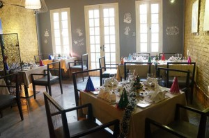 Restaurants Serve Western Food and Drink For a Romantic Dinner in Hanoi (Part 3)