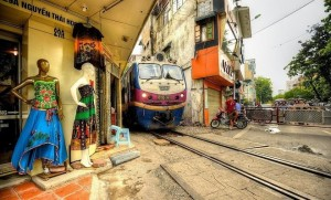 'Railway Hamlet' in Hanoi from perspective of foreign tourists