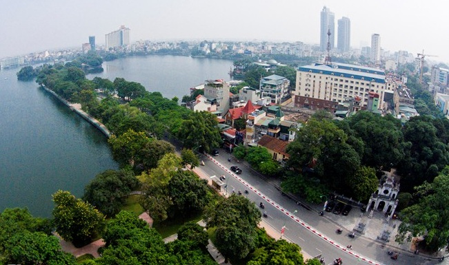 The-Most-Romantic-Street-in-Hanoi-1