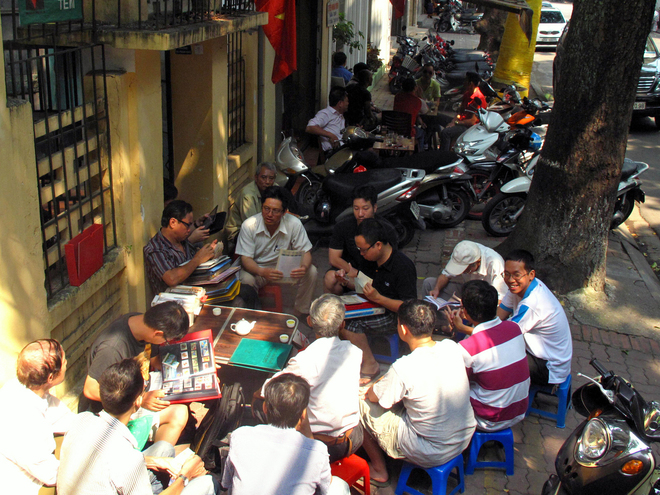 Ancient-Stamp-Market-in-Hanoi1