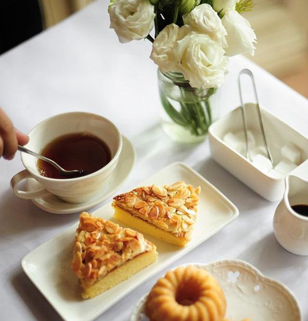 Tea-cakes-shop-1