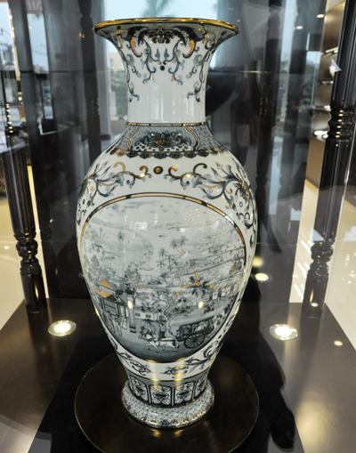 Vietnam-ceramic-vases3