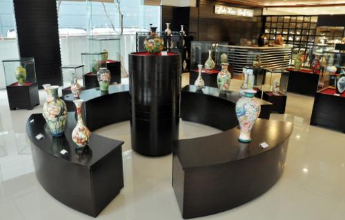 Vietnam-ceramic-vases4