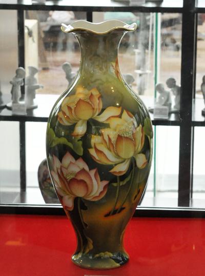Vietnam-ceramic-vases9