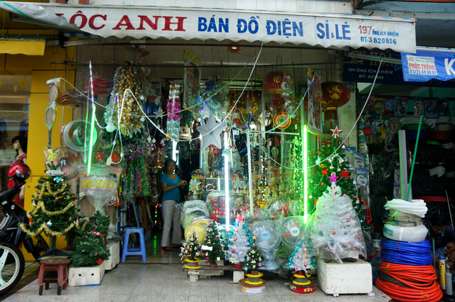 Christmas-From-All-Parts-of-Vietnam (8)