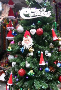 Hanoi Streets Are Colorfully Prepared For Christmas