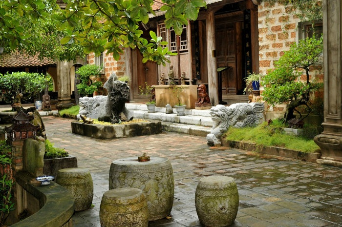 Thanh-Chuong-Viet-Palace (1)
