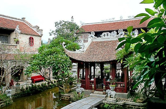 Thanh-Chuong-Viet-Palace (5)