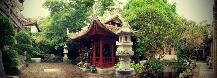 Thanh-Chuong-Viet-Palace
