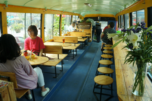cafe-on-bus (1)