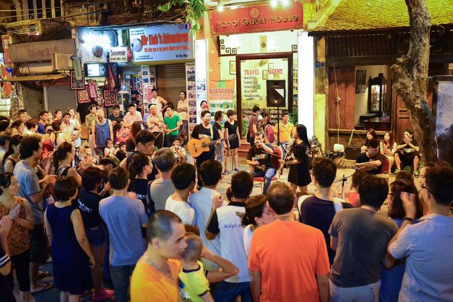 Hanoi Walking Street (4)