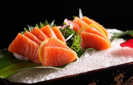 Salmon Banquet in Hanoi Fortuna Hotel (2)