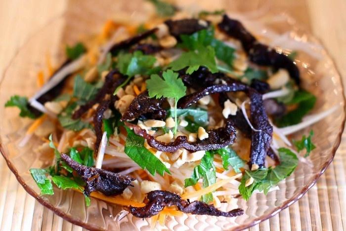 Top Five Attractive Salad Stores In Hanoi (1)