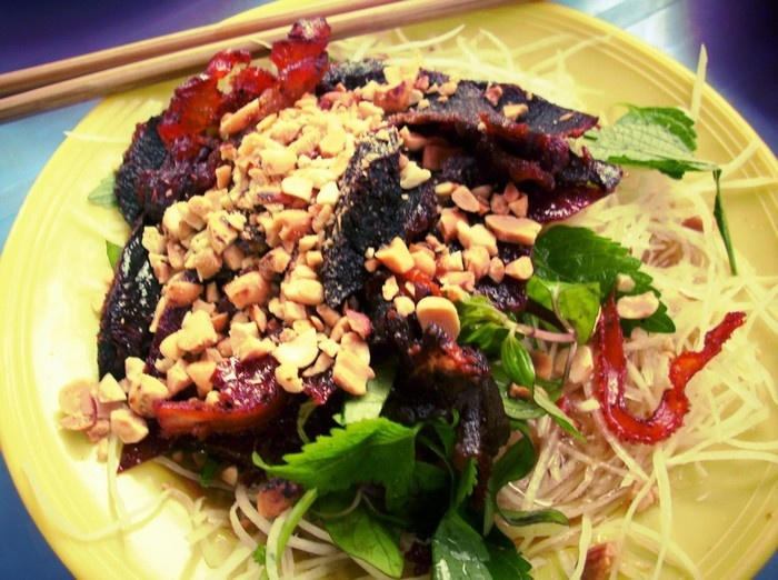 Top Five Attractive Salad Stores In Hanoi (2)