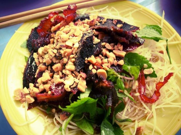 Top Five Attractive Salad Stores In Hanoi (2)
