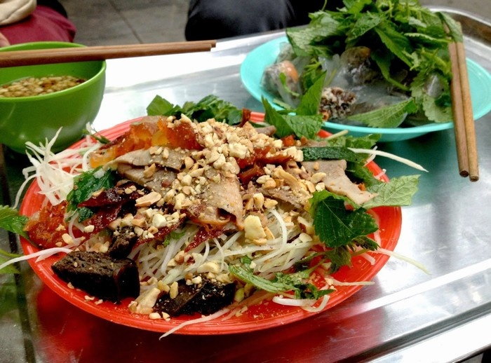 Top Five Attractive Salad Stores In Hanoi (3)
