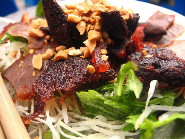 Top Five Attractive Salad Stores In Hanoi (5)