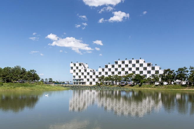 FPT University With Uniquely Designed Building  (9)