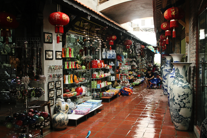 Traditional Ceramic Village In Hanoi  (1)