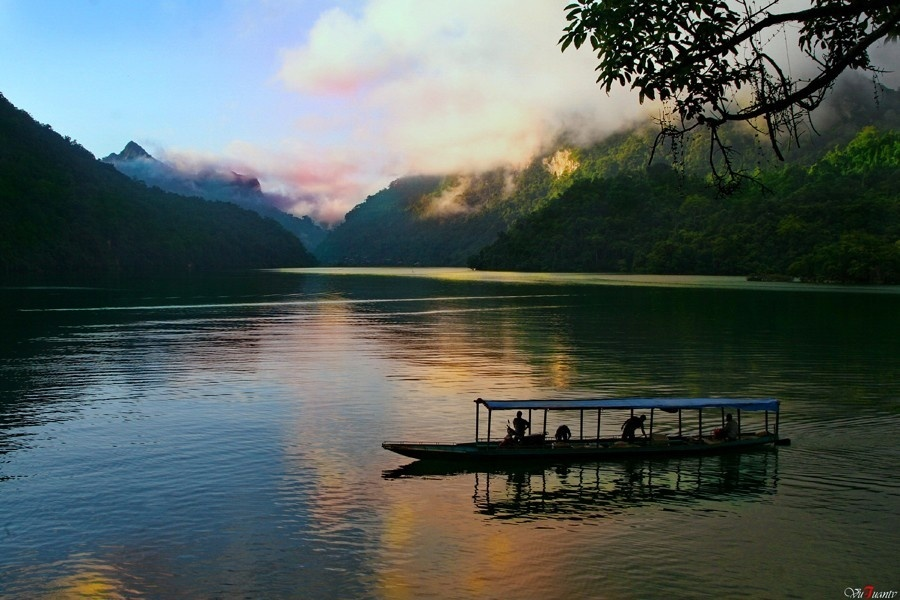 Dawn Beauty In Tourist Attractions Of Vietnam (8)