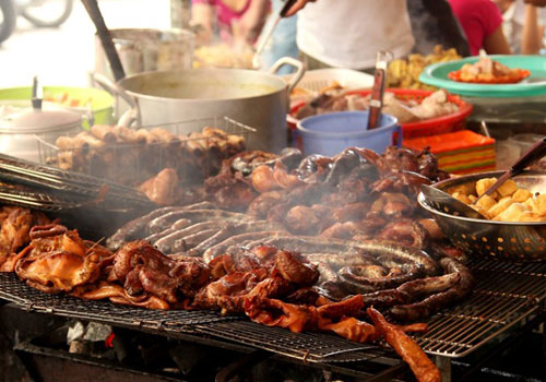 Dishes Make Hoang Cau Street Always Crowded  (3)