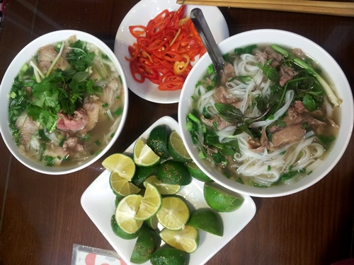 Well- Known Dishes On Ly Quoc Su Street (1)