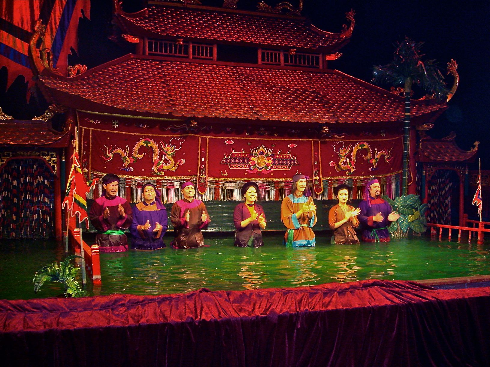 moi roi nuoc vietnamese water puppetry Visit us at: wwwalotripcom/vietnam-video-overview/dao-thuc-folk-water-puppetry-vietnam vietnamese water puppet or roi nuoc is one of the most attractive.