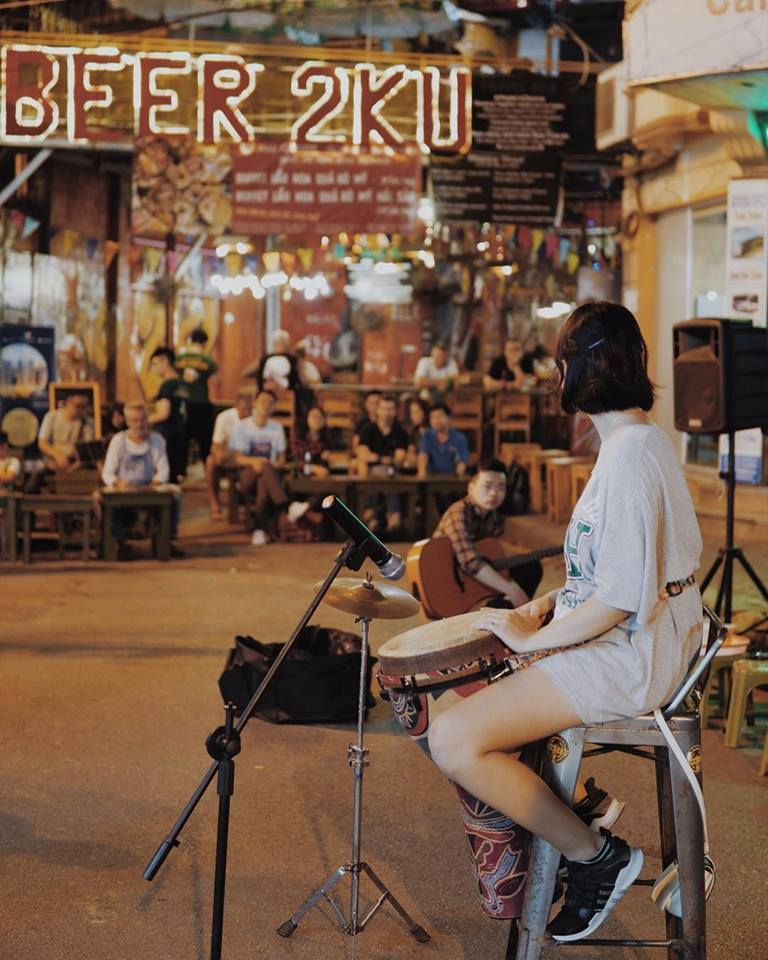 Music on Ta Hien street