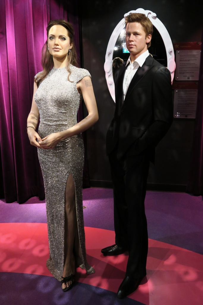 Angelina-Jolie-and-Brad-Pitt-Madame-Tussauds-Wax-Museum-Amsterdam
