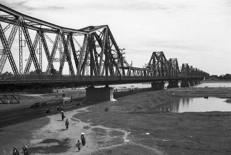 Long Bien Bridge in the past