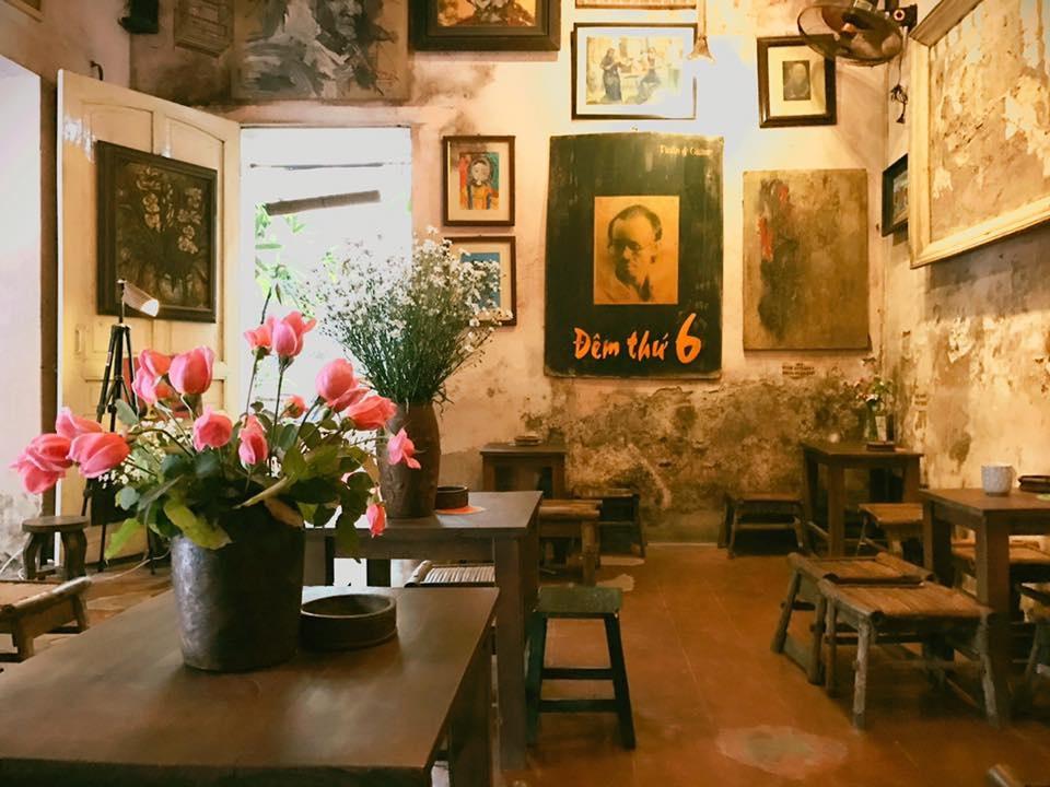 A small corner in Ca phe cuoi ngo