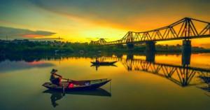 Long Bien Bridge – The Historical Witness