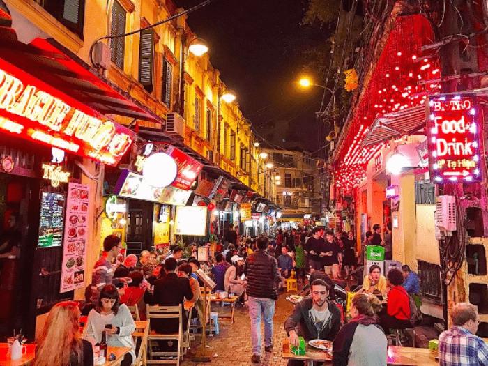 Ta Hien-non-sleeping street