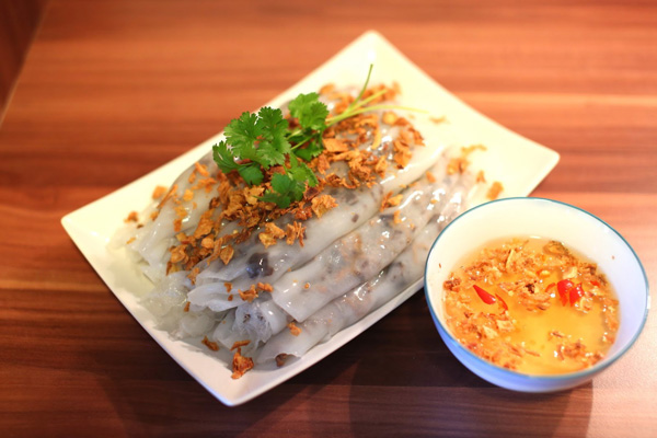 Banh Cuon always goes with a bow of dipping sauce