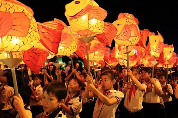 Lantern parade in Full Moon festival